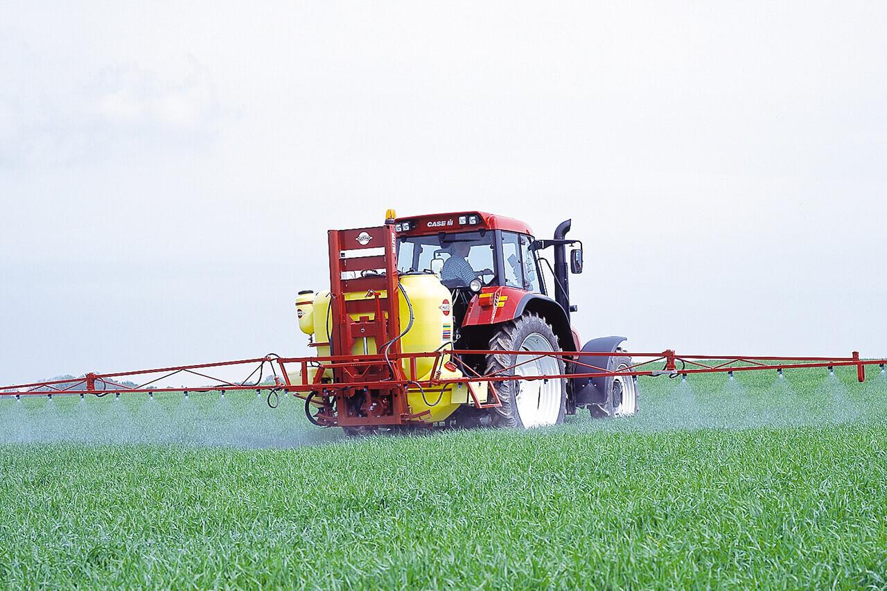 HARDI INTERNATIONAL A/S - MASTER – Liftmounted sprayer from