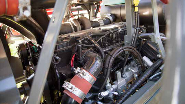 saritor-engine-access-to-engine.jpg