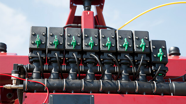 commander-workzone-efc-boom-section-valves.jpg